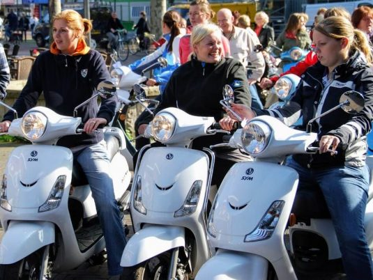Alle scooter vrienden/familie uitjes