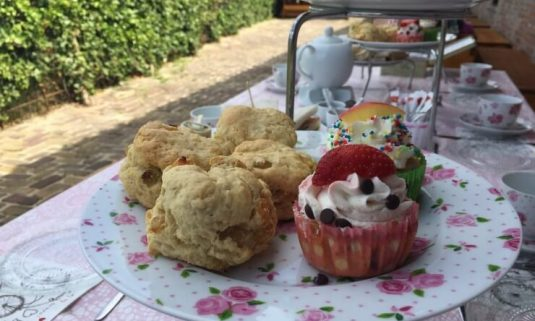 High Tea en Italiaanse Scootertour