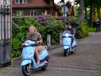 Scooter rijden & Glasblazer Hot Marks