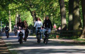 Leuk groepsuitje: Solex rijden op locatie