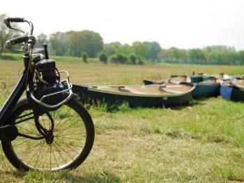 Solex rijden & kano varen op de Dinkel